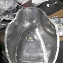 aluminium benzinetank motor 02.jpg
