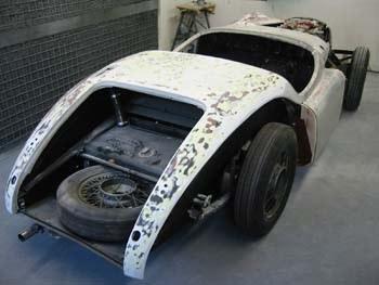 Jaguar_XK_120_No_670009_1.jpeg