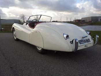 Jaguar_XK_120_No_670009_45.jpeg