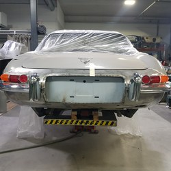 Jaguar E-Type Custom Build 24.jpg