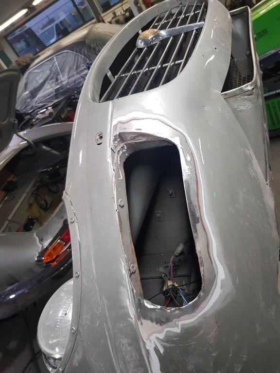 Jaguar E-Type Custom Build 29.jpg